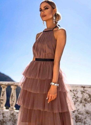 Sukienka z falbanami Zoya cappuccino