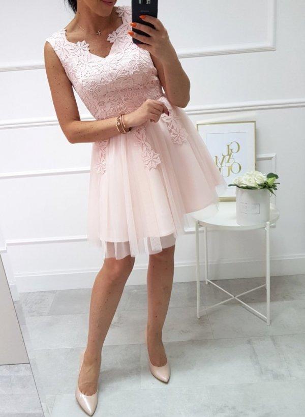 Różowa sukienka z koronką i tiulem Koletta