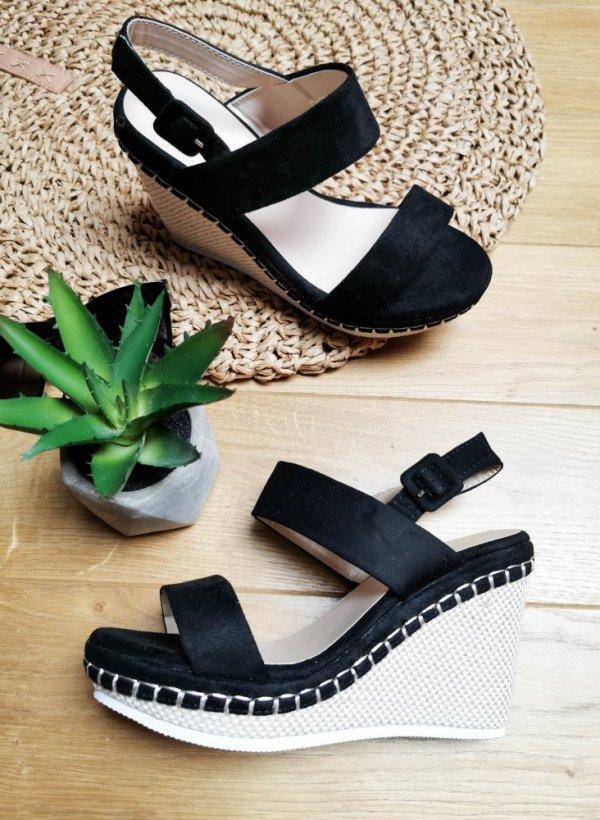 Sandały na koturnie Cubic czarne