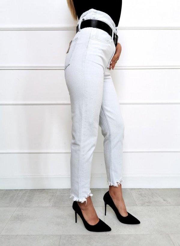 Spodnie jeansowe high waist z paskiem
