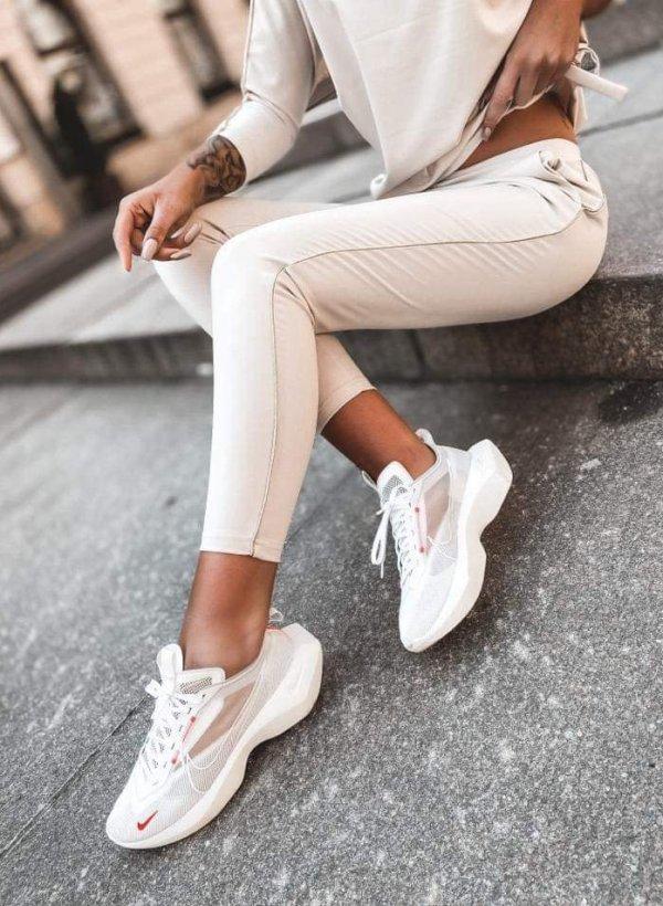 Spodnie casualowo dresowe z lampasem beżowe