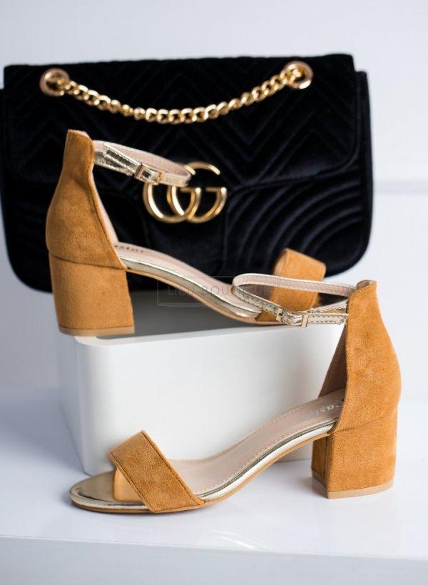 Sandały na słupku Tocca camel