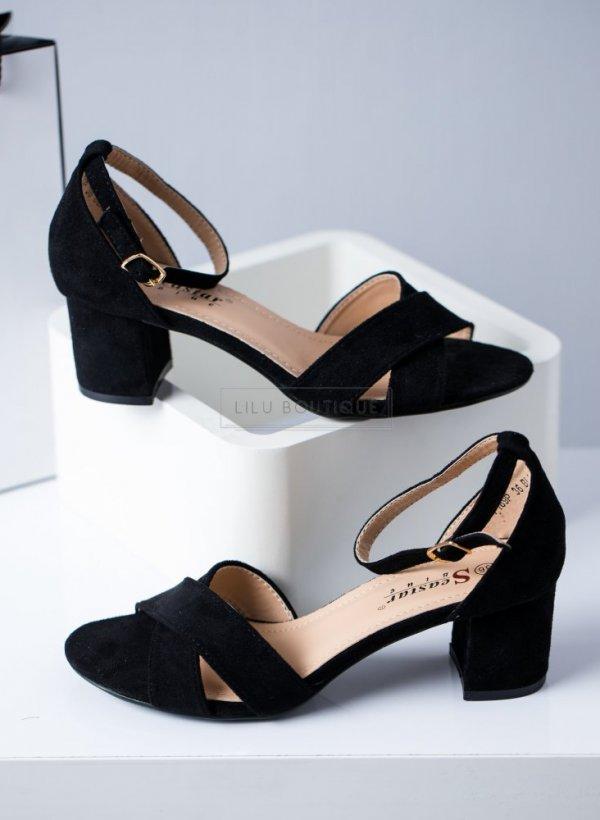 Sandały na słupku zakładane Ora czarne