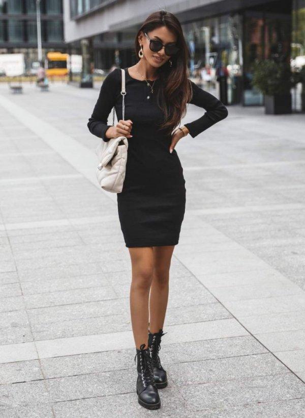 Sukienka Fiji czarna prążkowana