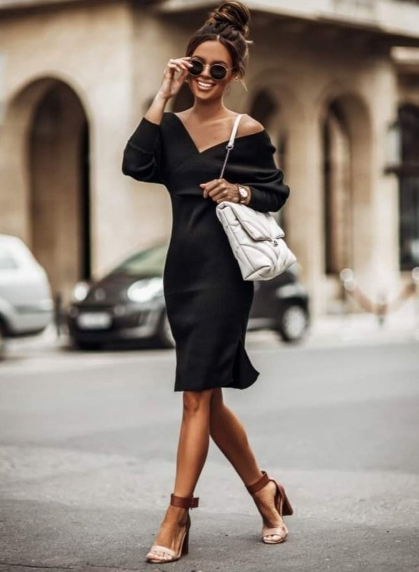 Sukienka sweterkowa Carmen czarna
