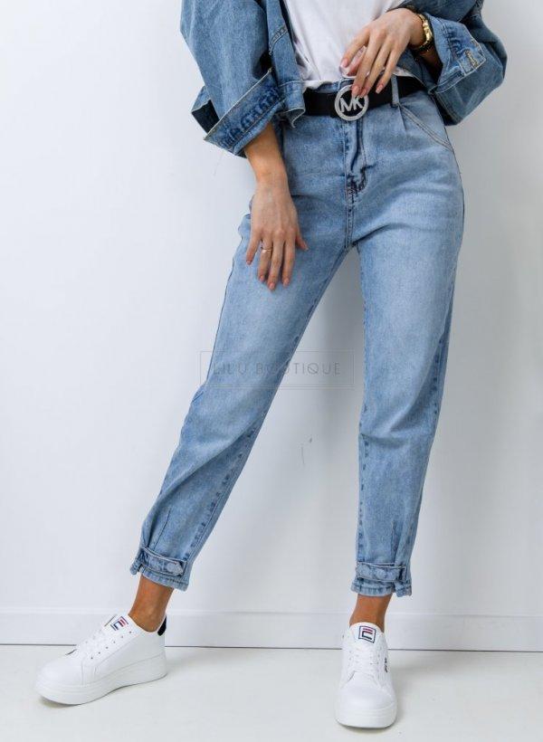 Spodnie jeansowe Mum Fit z ozdobną nogawką light blue