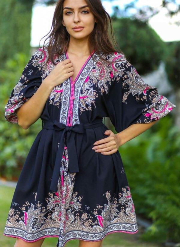 Sukienka z wzorem Estera róż